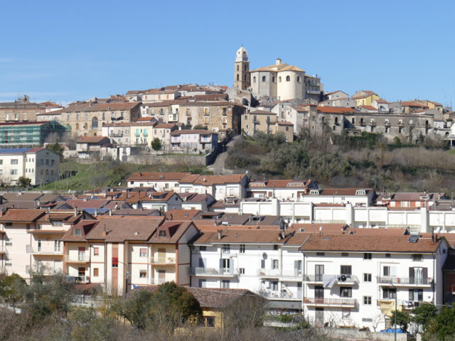 http://www.cuorebasilicata.it/wp-content/uploads/2018/11/spinoso_int-640x480.jpg