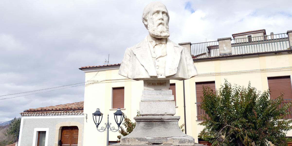 Statua Albini