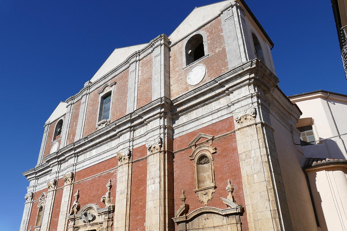 https://www.cuorebasilicata.it/wp-content/uploads/2019/01/chiesa_moliterno.jpg