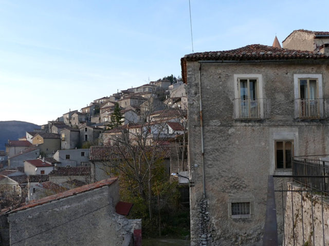 https://www.cuorebasilicata.it/wp-content/uploads/2019/01/m_vetere_header-640x480.jpg