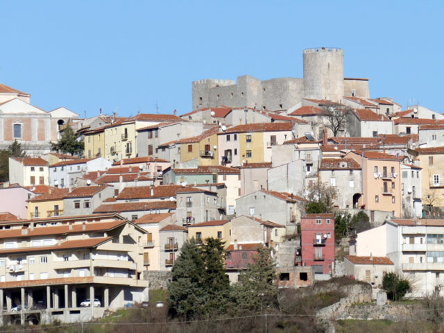 https://www.cuorebasilicata.it/wp-content/uploads/2019/01/moliterno_int-640x480.jpg