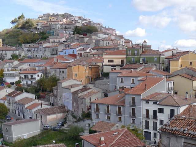 https://www.cuorebasilicata.it/wp-content/uploads/2019/01/viggiano-640x480.jpg