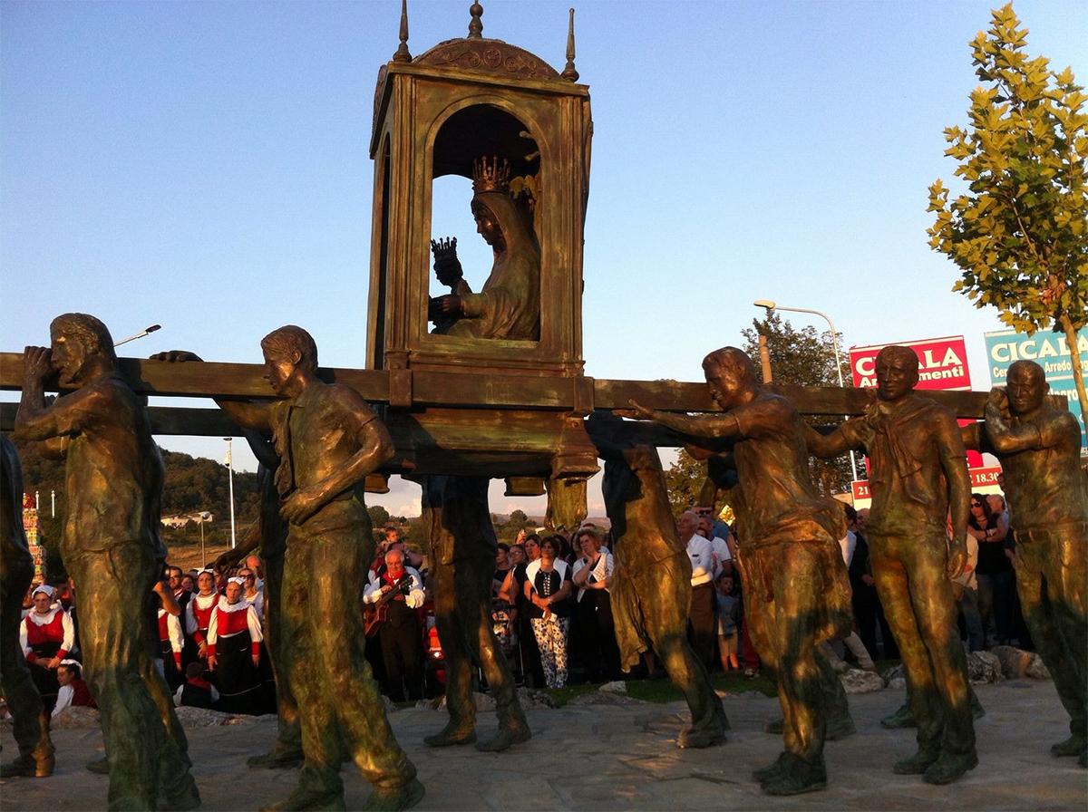 Monumento alla Madonna ed ai suoi portatori